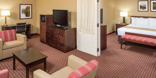 Spacious Family Suite 500x250 - Comfort Inn & Suites Burke Mountain - St. Johnsbury, VT