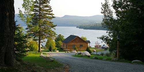 Willough Vale Inn & Cottages on Lake Willoughby Lakeside Orleans VT