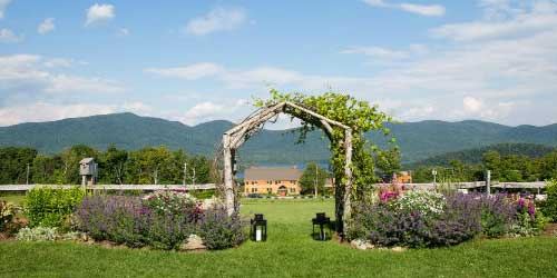 Summer Wedding Knoll - Mountain Top Inn & Resort - Chittenden, VT